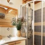 11-baie rustica moderna casa taraneasca din lemn