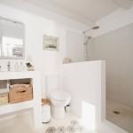 11-baie spatioasa si luminoasa cu cabina de dus fara cadita