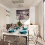 11-bucatarie cu loc de luat masa si living alta casa mica 37 mp FreeDomky