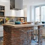 11-bucatarie moderna accente industriale cu insula cu plita integrata