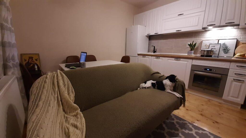 11-canapea loc luat masa si mobila bucatarie