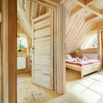 11-cele doua camere din mansarda casutei de lemn