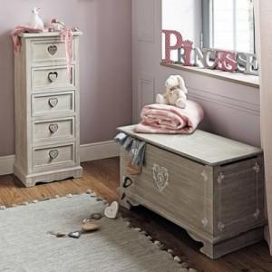11-decor camera copil colectia Lavandou dans un chalet