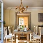11-dining mare si spatios cu mobila antique si peretii zugraviti in galben pal