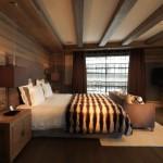 11-dormitor de lux finisaje lemn cabana la bergerie alpi francezi