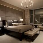 11-dormitor elegant finisat cu panouri din piele si decorat cu lemn