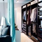 11-dressing ascuns in spatele unei draperii agatate pe tavan in spatele tabliei de la capul patului