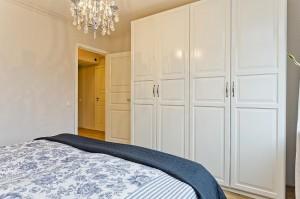 11-dulap haine dormitor matrimonial apartament 3 camere modern