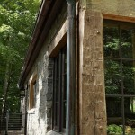 11-exterior colt casa mica noua construita din materiale vechi