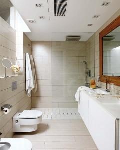 11-gresie ce imita parchetul montata pe podeaua si peretii din baia moderna