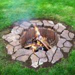 11-groapa sapata in pamant capitonata cu pietre pentru foc de tabara de gradina