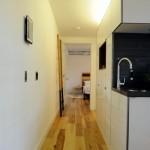 11-hol ingust si lung casa moderna compacta doar parter suprafata 45 mp