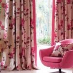 11-imprimeu floral fuchsia sau ciclam perdele dormitor stil retro