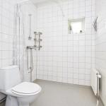 11-interior baie moderna alba apartament cu 3 camere