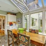 11-loc de luat masa amenajat in veranda casei