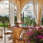 11-loc de luat masa in aer liber cu vedere la gradina casa Mallorca Spania