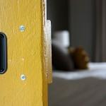 11-maner ingropat exterior usa glisanta langa perete confectionata in regie proprie