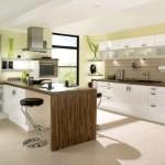 11-mobila alba blat maro bucatarie design modern
