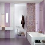 11-mozaic lila decor vertical lavoar baie combinat cu faianta alba si gresie lila