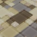 11-mozaic mixt din piese de marmura si sticla pentru finisarile interioare