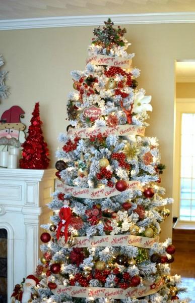 11-ornamente rosii si aurii decor brad de Craciun