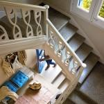 11-scara de interior din beton cu balustrada din lemn