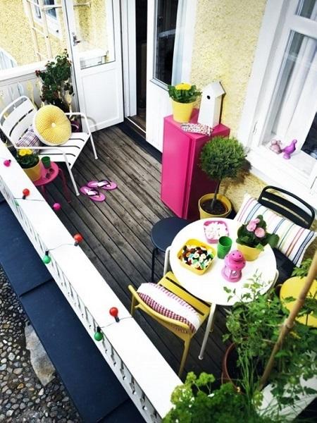 11-sugestie amenajare balcon mic confortabil si colorat