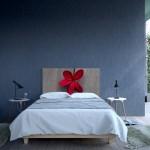 11-tablie decorativa pentru pat cu imaginea imprimata a unei flori rosii Noyo Home