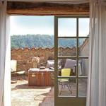 11-terasa mica pe acoperis casa rustica din piatra naturala zona rurala spania