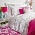 12-accente cromatice fuchsia sau ciclam dormitor