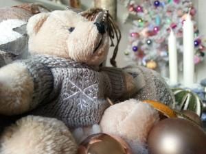 12-aranjament decorativ cu ursuleti si globuri de craciun magazin Thea Decor
