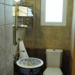 12-baie mica finisata cu travertin casa de vacanta insula Aegina Grecia