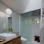 12-baie moderna finisata cu prea putin faianta