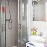 12-baie moderna minimalista apartament cu doua camere si scara interioara