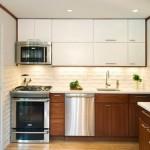 12-bucatarie moderna cu mobila in doua culori garnitura liniara