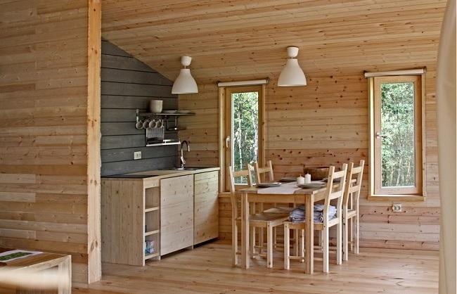 12-bucatarie si loc de luat masa interior casa modulara din lemn model DD80