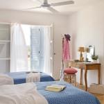 12-camera copii amenajata in stil rustic culoare alba accente bleu