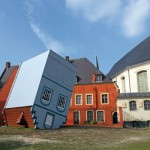 12-casa cazuta din cer artist jean francois fourtou