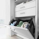 12-cosuri pentru rufele murdare integrate in dulapul de haine din dormitor