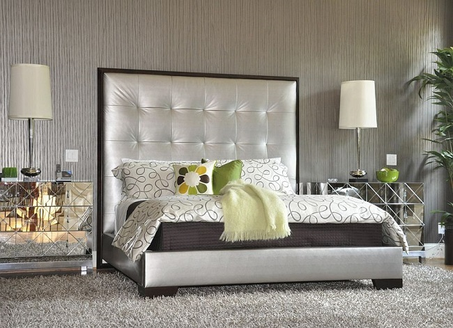 12-decor dormitor modern eclectic tablie de pat mare si capitonata cu stofa argintie