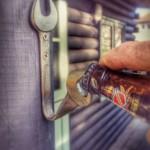 12-desfacator pentru capacele sticlelor de bere decoratiune perete bar de exterior