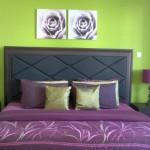 12-dormitor decorat in verde si mov