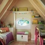 12-dormitor mansarda fetita amenajat in alb crem cu accente roz mov si verde pal