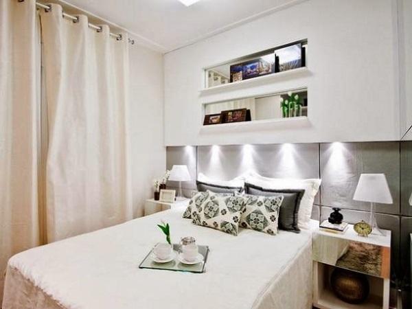 12-dormitor modern mic decorat in alb crem cu accente gri