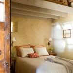 12-dormitor oaspeti cu baie proprie amenajat in stil rustic