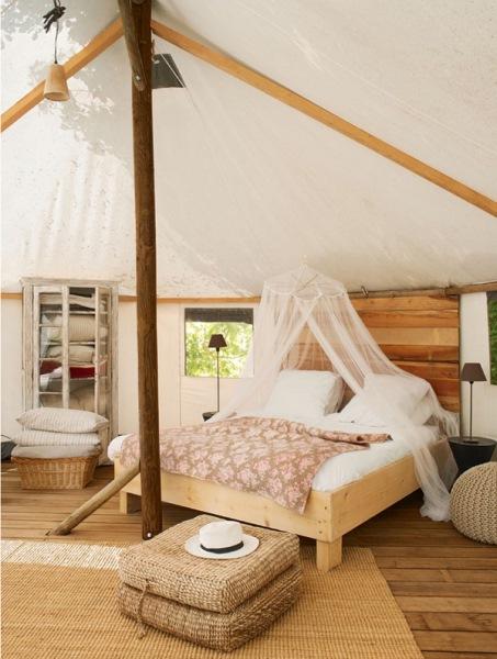 12-dormitor pentru musafiri amenajat in casuta tip cort ferma ecologica graine et ficelle