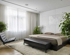 12-fasie cu pietris decor sub fereastra din dormitor