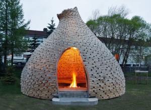 12-foisor original din lemn in forma unui cuib de albine