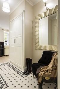 12-hol intrare apartament mic de 29 mp