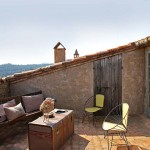 12-loc relaxare terasa mica pe acoperis casa din piatra naturala spania